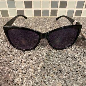 Design 35 Foster Grant modified cat sunglasses
